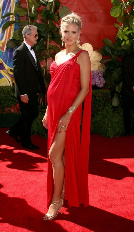 20284_Heidi_Klum_58th_Annual_Primetime_Emmy_Awards__Arrivals_04_122_315lo.preview_0